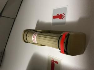 Sabías que estas linternas en caso de necesidad, funcionan mojándolas (incluso con orina)?